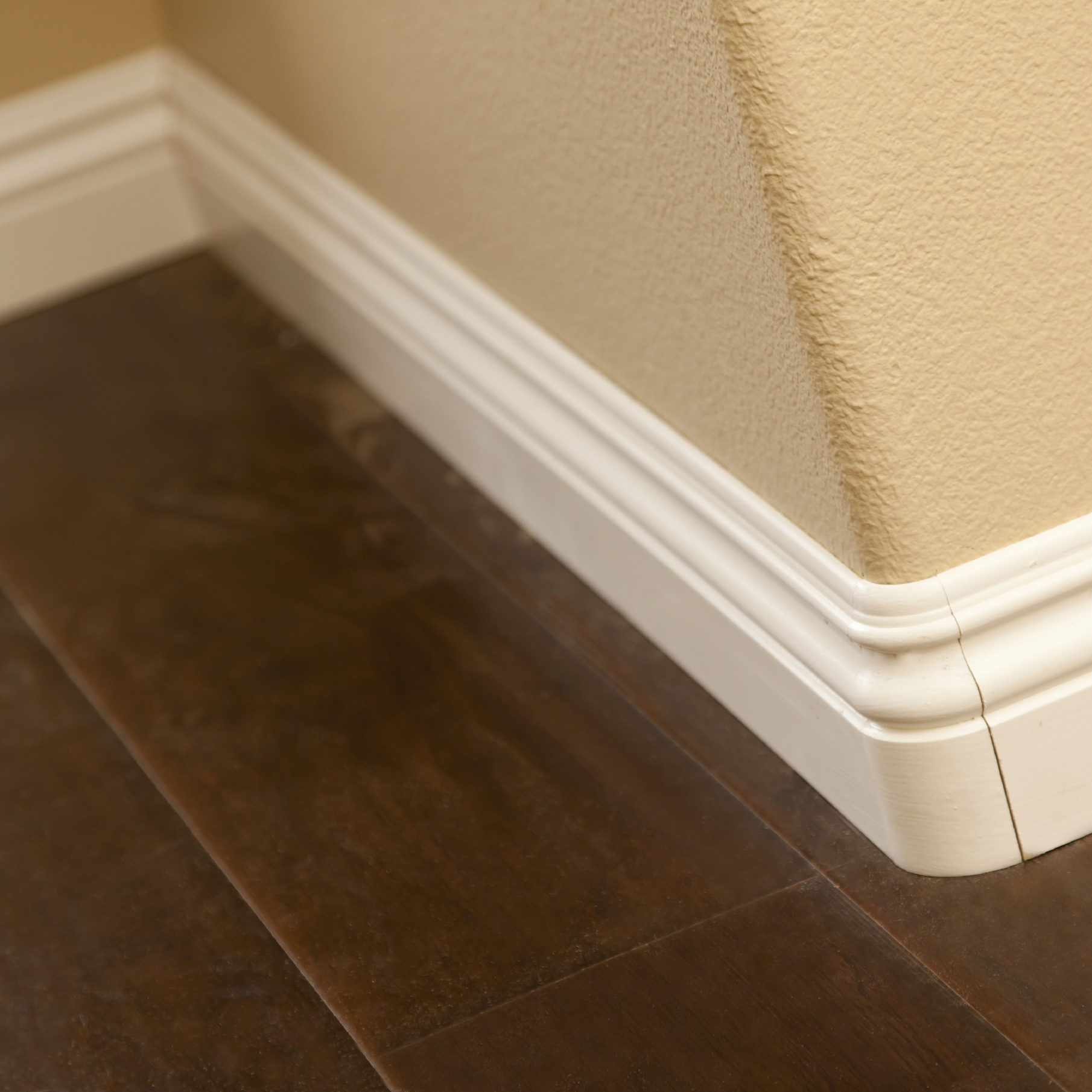 Skirting / Dado Railing